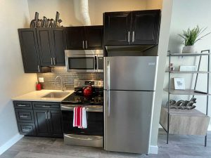 The 609 Studio Apartments Greeley kitchen